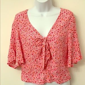 Rue 21 pink floral crop top - size Medium